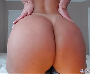 Mature With Perfect Arse