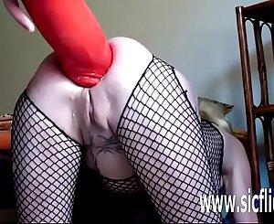 Annas gargantuan anal fake penis penetrations